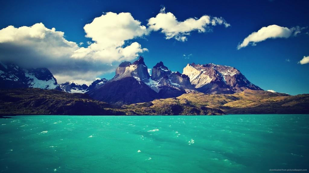 Torres del Paine es una comuna de Chile, ubicada en la Provincia de Última Esperanza, Región de Magallanes y de la Antártica Chilena.