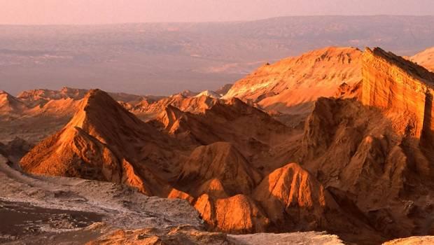 El desierto de Atacama, el más árido del planeta, se extiende en el Norte Grande de Chile —abarcando las regiones de Arica y Parinacota,