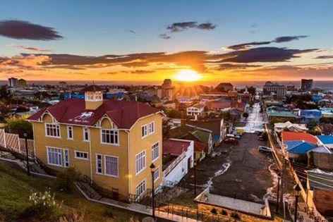 Punta Arenas frente al estrecho de Magallanes