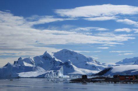 Encuentran cañones ocultos en la Antartida.